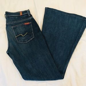 7 for all mankind bell bottom jeans size 26 EUC